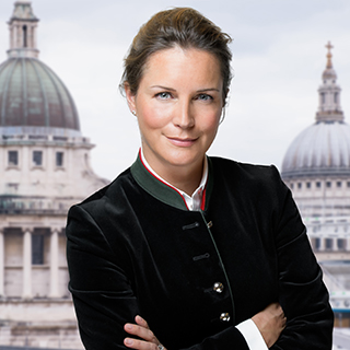 professional LinkedIn photo sample with a London background